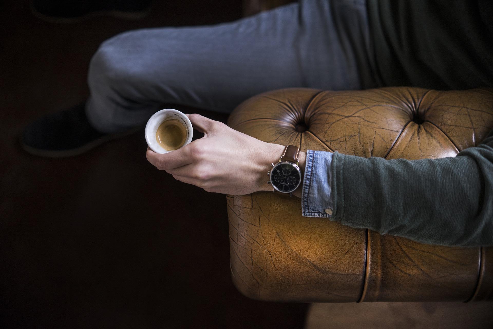 Chesterfield Style Sofa - für Männer mit Stil!