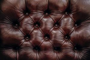 classwatch chesterfield style sofa
