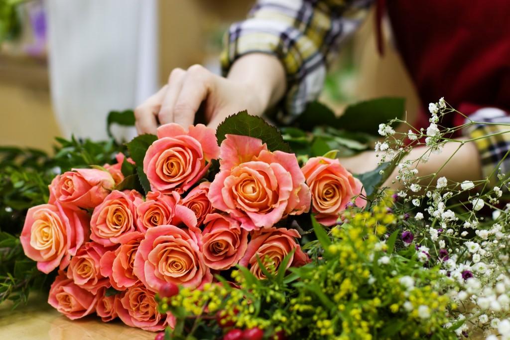 Blumen sind der Klassiker wenn es um Geschenke für Frauen geht